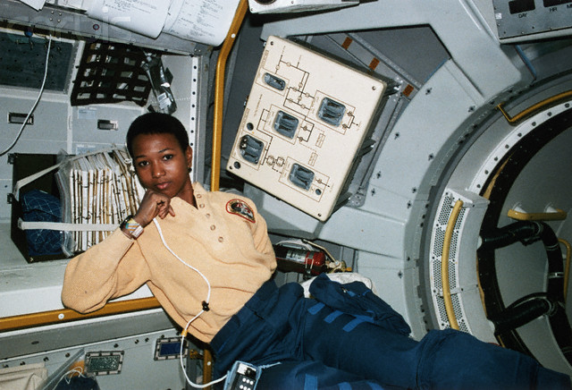 first african american female astronaut in space - photo #22