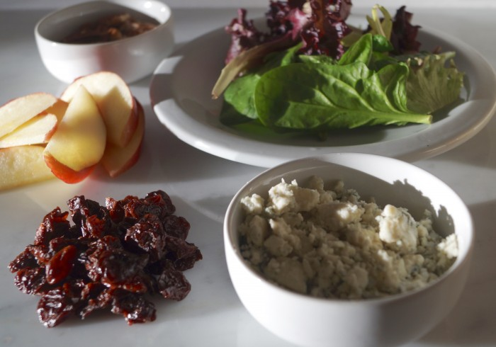 , apple slices, pecans, dried cherries and blue cheese into a salad ...